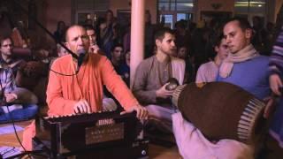 getlinkyoutube.com-Damodarashtakam Kirtan HH Bhakti Vaibhava Swami - ISKCON Riga 2011.10.15.