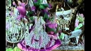 getlinkyoutube.com-Mangueira - Desfile das Campeãs 1986 - Caymmi Mostra ao Mundo o Que a Bahia Tem e a Mangueira Também