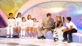 getlinkyoutube.com-Maisa tira peruca de Silvio Santos