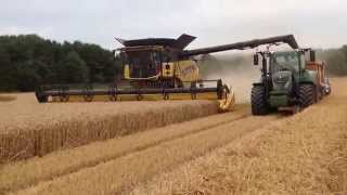 New Holland CR9.90 SmartTrax with 35ft Varifeed header