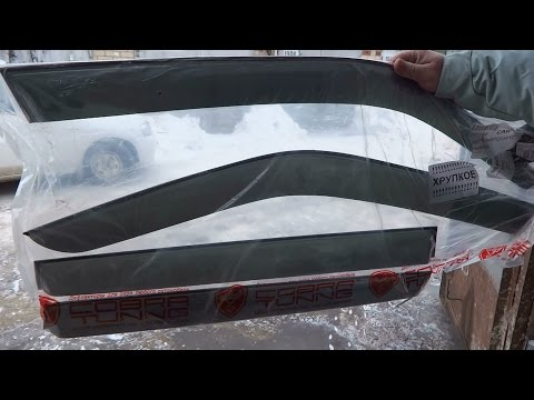 Установка дефлекторов боковых стекол на Mazda Demio