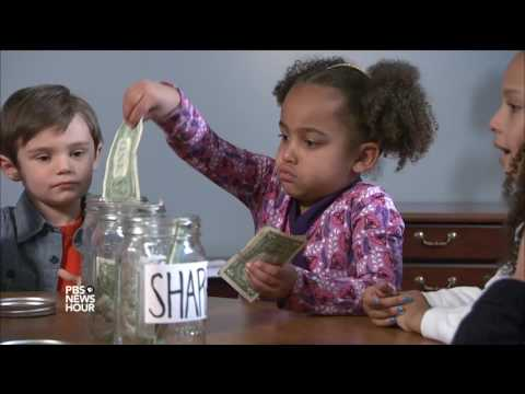 The best ways to teach your little kids about money