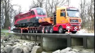 "getlinkyoutube.com-Schwertransport ""Railjet Taurus"" - Lok durch Dornbirn"