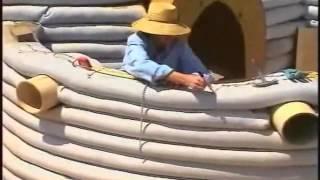 getlinkyoutube.com-Construccion de un Eco Domo con super adobe por Nader Khalili