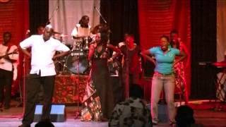 Chiro: Selmor Mtukudzi
