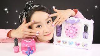 getlinkyoutube.com-캐리의 미미 네일아트 스튜디오 장난감 손톱 꾸미기 놀이 CarrieAndToys