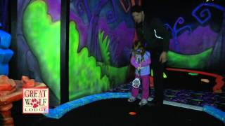 getlinkyoutube.com-Great Wolf Lodge Indoor Glow Golf