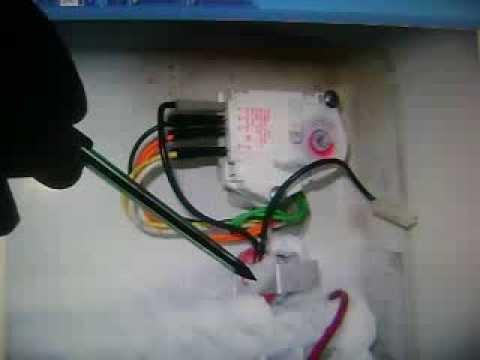 Geladeira não gela a parte inferior - Brastemp BRG40ABE
