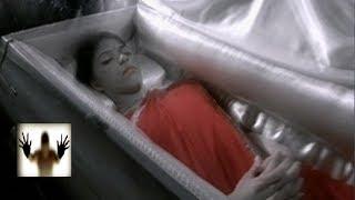 getlinkyoutube.com-В похоронном бюро тело девушки оживает. Встречи с призраками.