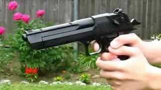 getlinkyoutube.com-Desert Eagle CO2 airsoft pistol