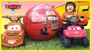 getlinkyoutube.com-Disney Cars Toys GIANT EGG SURPRISE OPENING Lightning McQueen Tow Mater Power Wheels kids Video