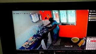 Maid Urinating in Utensils Caught on Camera(1)