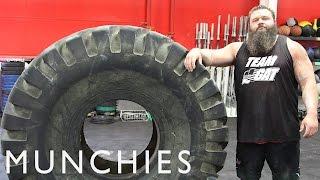 getlinkyoutube.com-The 20,000 Calorie Strongman Diet: FUEL
