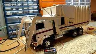 getlinkyoutube.com-Radio controlled Wedico Volvo Garbage Truck