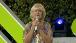 Ann Louise Hanson Medley Allsång på Skansen 2009 view on youtube.com tube online.