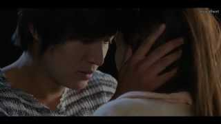 getlinkyoutube.com-Rooftop Kiss Scene (C.H. Lee Min Ho)