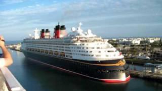 getlinkyoutube.com-When Two Disney Ships Meet.avi