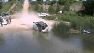 getlinkyoutube.com-Davidsfarm   1051   9cotm7YscPY   SQ   aerostar van high speed reverse drive into lake