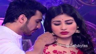getlinkyoutube.com-Ritik and Shivanya's romance in Naagin