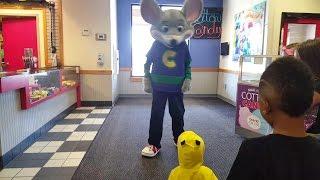 getlinkyoutube.com-Pikachu Meets Chuck E Cheese