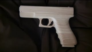 getlinkyoutube.com-Blowback rubber band gun : Mechanism - Glock Type