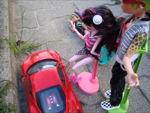 Monster High- Pierwszy Dzień cz.1