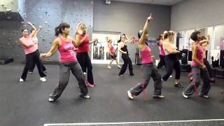 getlinkyoutube.com-Sobrevivire (I will Survive) Latin Pop with Kit @ Xtreme Fitness - Think Pink!