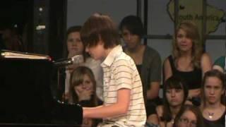 getlinkyoutube.com-Greyson Chance Singing Paparazzi