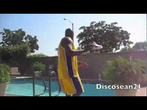 Shaq jumps jeremy lin pool in his new shoes &quot;Hyper Junks&quot; &quot; Linsanity Parody.