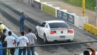 getlinkyoutube.com-FORD MUSTANG GT VS FORD FX4 ZULIA VENEZUELA