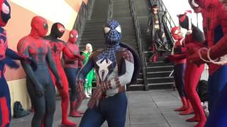 "getlinkyoutube.com-The Spider-Verse takes over ""Winter Con"" 2015"