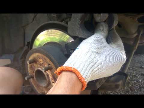 Замена задних колодок в Toyota Camry 40