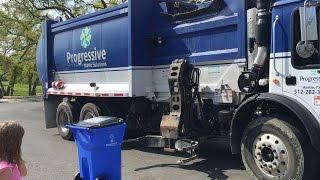 getlinkyoutube.com-Garbage Truck Videos for Children 2015 (HD)