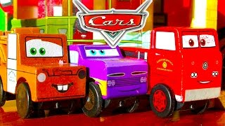 getlinkyoutube.com-Disney Cars Radiator Springs Race Track & Micro Chargers Demolition Derby Pt1