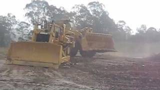 getlinkyoutube.com-THE WORLDS LARGEST  CAT  WHEEL LOADER: THE CATERPILLAR 994