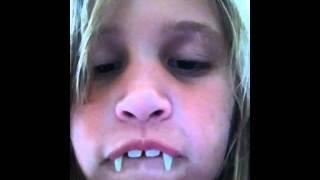 getlinkyoutube.com-Retractable vampire fangs