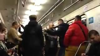 getlinkyoutube.com-Draka v vagone u metro Vyhino