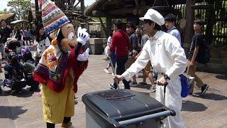 getlinkyoutube.com-ファンカスト・ミネザキさん Fun custodial 2015.5.8  TOKYO Disney Sea