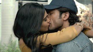 Commando 2 All Kissing Scenes| Adah Sharma and Esha Gupta Kissing Vidyut Jamwal