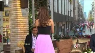 getlinkyoutube.com-Galilea Montijo muestra el tremendo beso que se dieron Juan José Origel y Laura Bozzo en Acapulco
