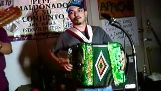 getlinkyoutube.com-Acordeones de Tejas - Los Fantasmas del Valle 121110