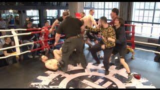 getlinkyoutube.com-Массовая драка на турнире по Боксу