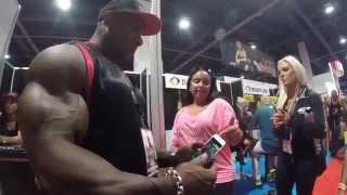 getlinkyoutube.com-Watch Dexter Jackson react to iPhone 6