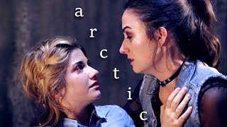 getlinkyoutube.com-Laura and Carmilla - Arctic | 3x36