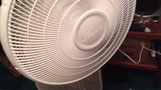 "getlinkyoutube.com-16"" Galaxy stand up fan unboxing"