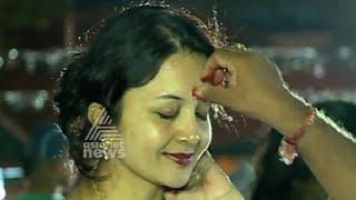 getlinkyoutube.com-North Indian families in Kerala celebrating Holi