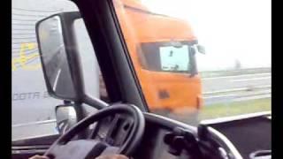 getlinkyoutube.com-Volvo FH 440 vs Scania ???