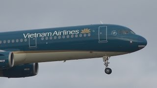 getlinkyoutube.com-Vietnam Airlines New Livery Airbus A321-200 VN-A398 Landing and Takeoff [NRT/RJAA]
