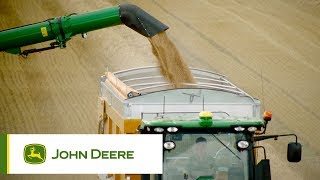 The new John Deere T-series combines: John Deere MachineSync
