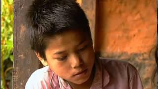getlinkyoutube.com-Teppichknüpfer - Kinder in Nepal - Wann hat Wischnu ausgeschlafen? (Doku1994)